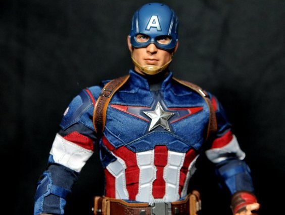 hot-toys-captain-america-age-of-ultron-figure-wearing-helmet