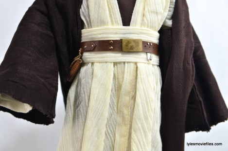 Hot Toys Obi-Wan Kenobi figure review -belt detail