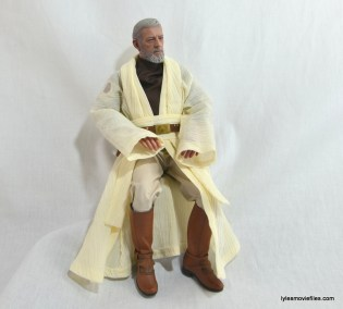 Hot Toys Obi-Wan Kenobi figure review - sitting
