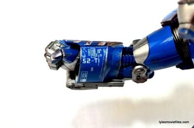 Iron Man 3 Igor Comicave Studios figure review - right arm detail