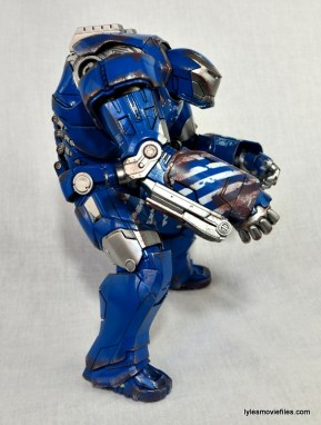 Iron Man 3 Igor Comicave Studios figure review - right side