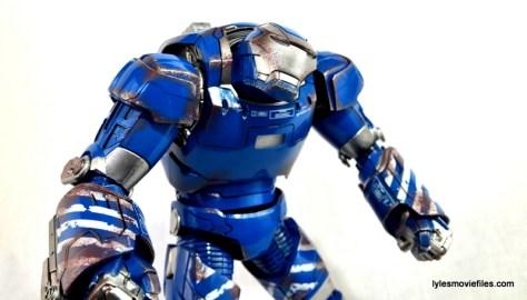 Iron Man 3 Igor Comicave Studios figure review - wider close up