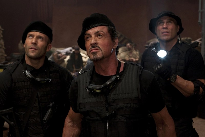 jason-statham-sylvester-stallone-and-randy-couture-in-the-expendables