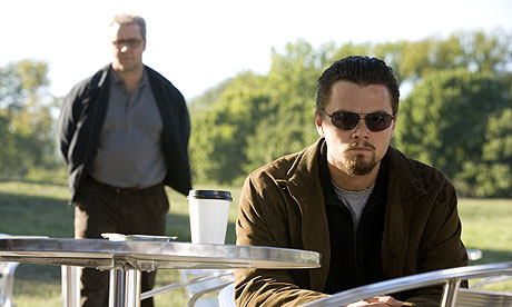 russell-crowe-and-leonardo-dicaprio-in-body-of-lies