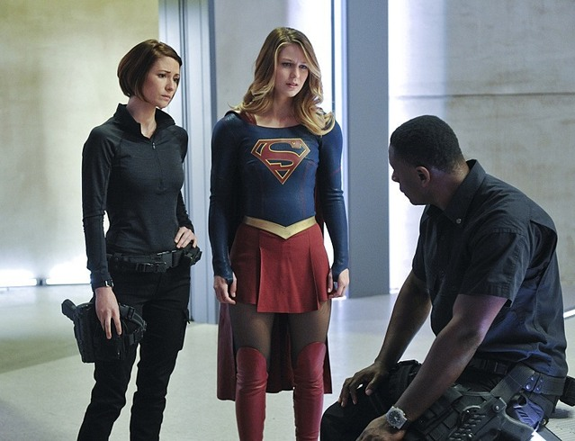 supergirl Strange Visitor from Another Planet review - alex, supergirl and hank