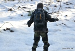 the walking dead eugene figure - backpack detail