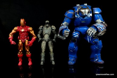Comicave Studios Iron Man Shades figure review - scale with Marvel Legends Iron Man and Igor