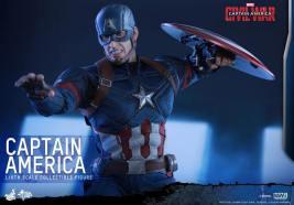 Hot Toys Captain America Civil War Captain America figure -teeth gritted