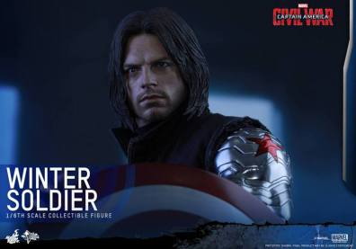 Hot Toys Captain America Civil War Winter Soldier figure -holding the shield