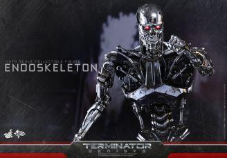 Hot Toys Terminator Genisys endoskeleton -coming forward