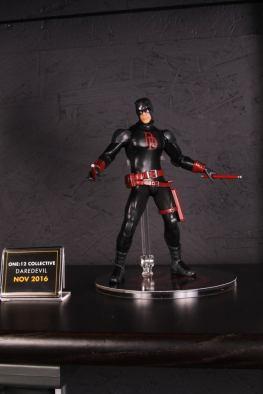 Mezco Toys pre-Toy Fair - Daredevil black outfit