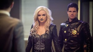 The flash - welcome to earth2 review - killer frost and deathstorm