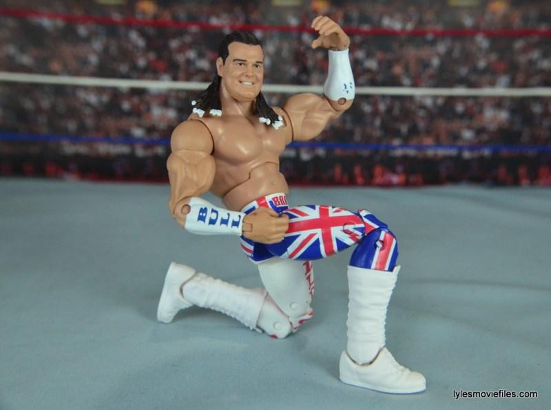 wwe-elite-39-the-british-bulldog-figure-review-posing-on-one-knee