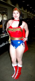 awesome-con-2014-wonder-woman
