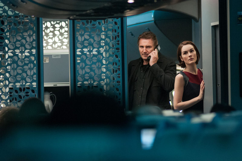 non-stop review - liam neeson and michelle dockery