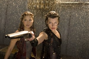 resident-evil-afterlife review -claire-redfield-and-alice-in-resident-evil-afterlife