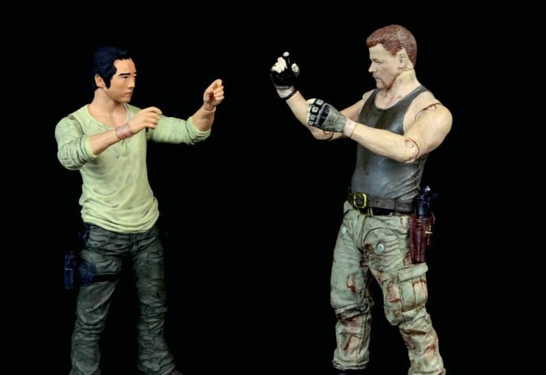 the-walking-dead-abraham-ford-mcfarlane-toys-figure-review-fighting-glenn