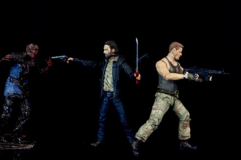 the-walking-dead-abraham-ford-mcfarlane-toys-figure-review-fighting-walkers-with-rick