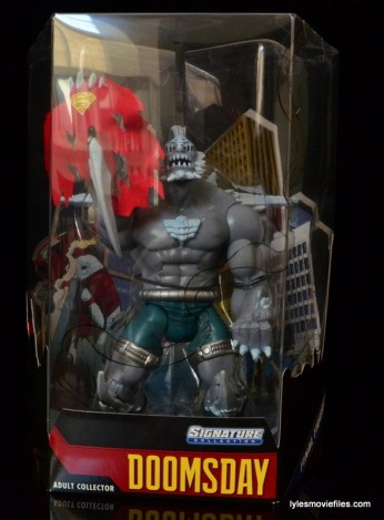 DC Signature Series Doomsday figure review - inner package