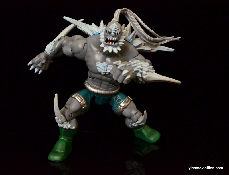 DC Signature Series Doomsday figure review - wide stance