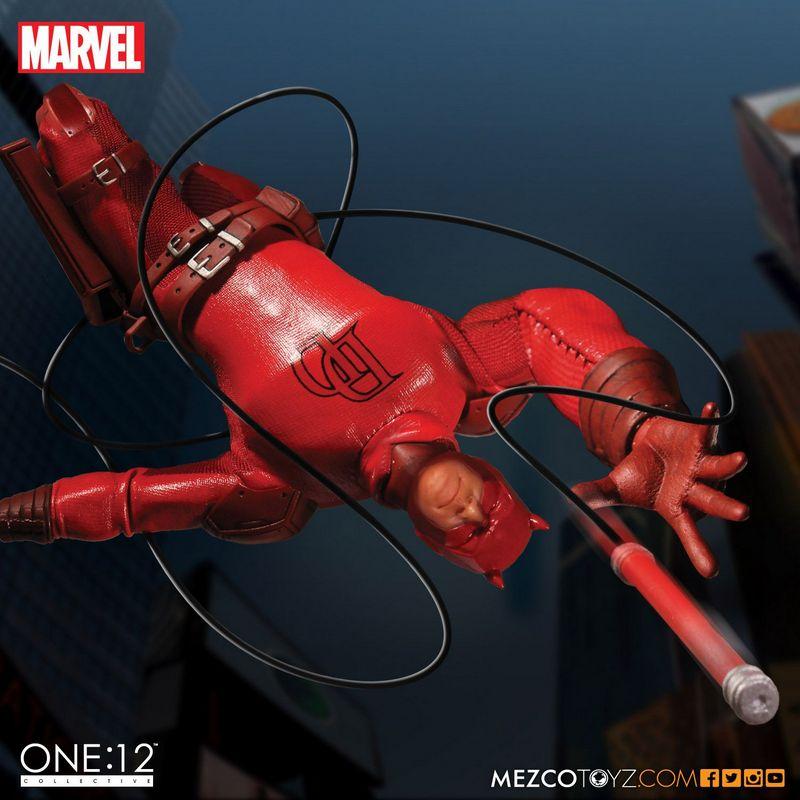 Dardevil One 12 Mezco Toyz figure -swinging