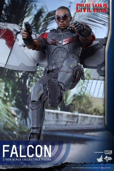 Hot Toys Captain America Civil War Falcon figure -flying back