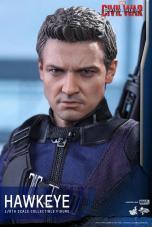 Hot Toys Captain America Civil War Hawkeye figure -head sculpt close up
