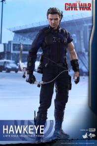 Hot Toys Captain America Civil War Hawkeye figure -standing straight