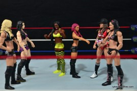 WWE Sasha Banks figure review - Team PCB vs Team BAD vs Team Bella
