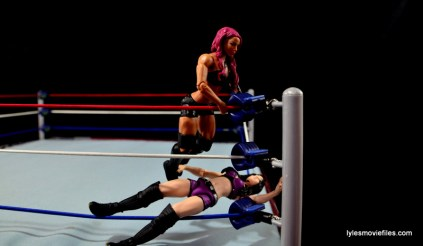 WWE Sasha Banks figure review - knee smash on Paige
