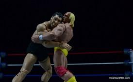 Wrestlemania 3 - Andre bear hugs Hogan