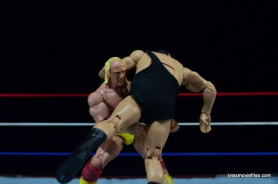 Wrestlemania 3 - Hogan picks up Andre