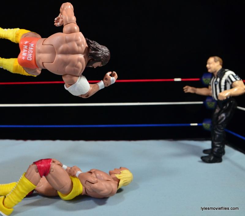 Wrestlemania 5 - Hullk Hogan vs Macho Man - Randy Savage hits flying elbow