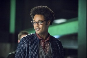 arrow-beacon-of-hope-review-curtis holt
