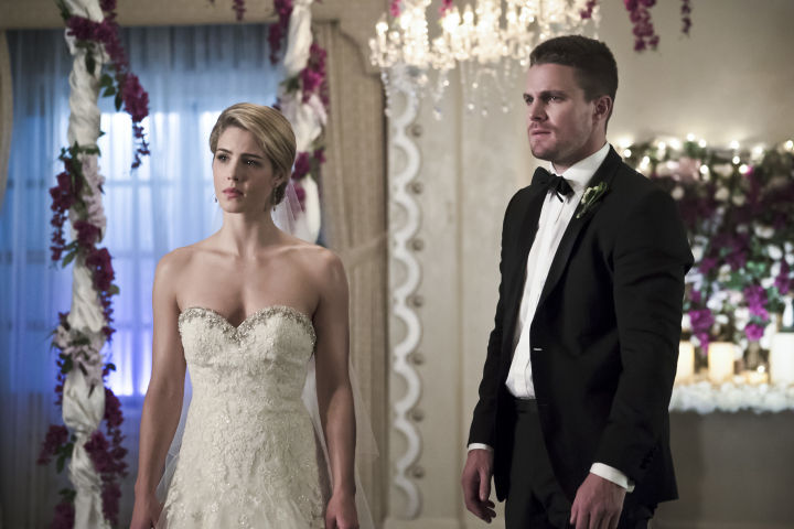 arrow-broken-hearts-review-felicity-and-oliver.