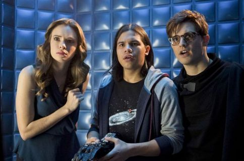 the flash - flash back review - caitlin, cisco and hartley