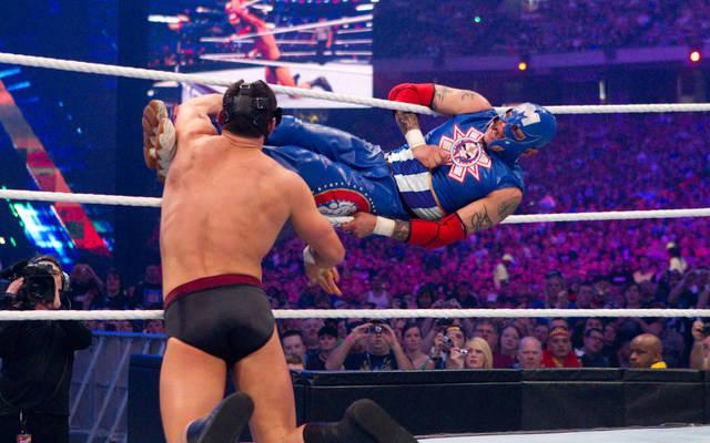 wrestlemania 27 - cody rhodes vs rey mysterio_2