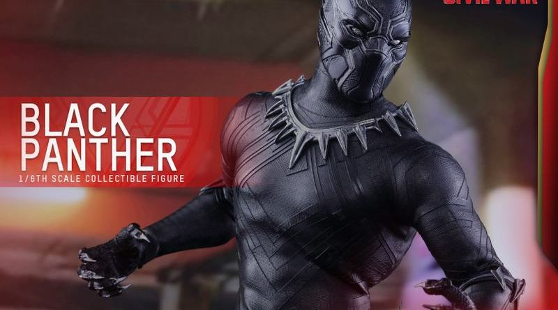Hot Toys Black Panther figure - wide shot