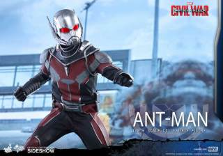 Hot Toys Civil War Ant-Man figure - arm ahead