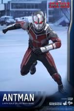 Hot Toys Civil War Ant-Man figure -running ahead
