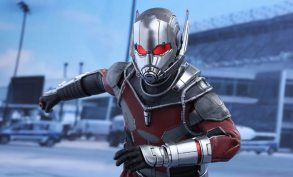 Hot Toys Civil War Ant-Man figure - running