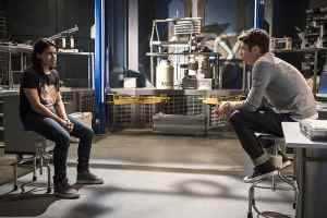 The Flash Versus Zoom recap - Cisco and Barry-min