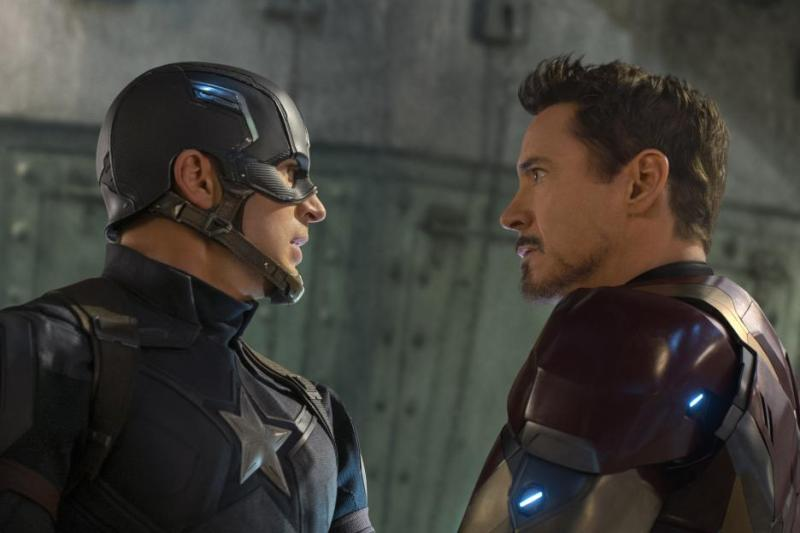 Captain America Civil War pictures - Captain America and Iron Man