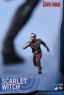Hot Toys Scarlet Witch figure - mini Ant Man figure