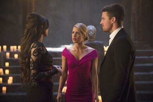 arrow genesis - felicity and oliver-min