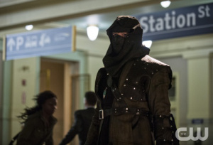 arrow-season-2-episode-22-streets-on-fire-malcolm-merlyn