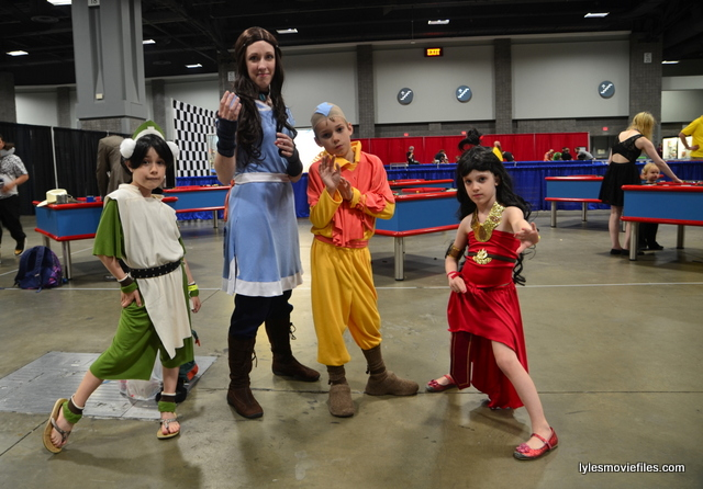 Awesome Con 2016 cosplay - Last Airbender family cosplay