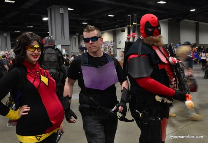 Awesome Con cosplay Day 2 -Spider-Woman, Hawkeye and Deadpool