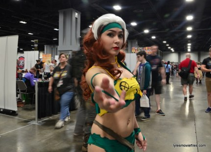 Awesome Con cosplay Day 2 -X-Men Rogue in Savage Land