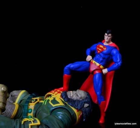 DC Icons Superman figure review -defeated Kalibak